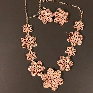 Pink and Gold Flower Necklace w/matching earrings